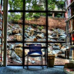 Tim Mountain Window Seat